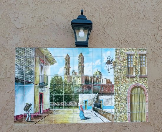Wickenburg, AZ: Large tile mural on way to room
