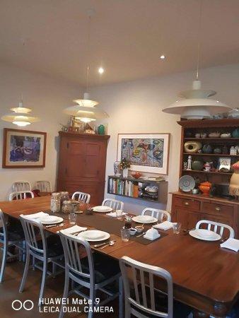 TARA Guest House Resmi