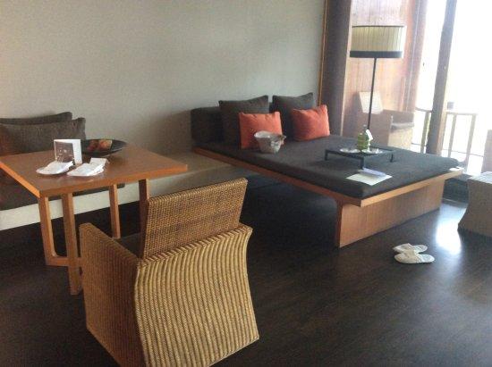 Anantara Chiang Mai Resort: 部屋の中野デイベッド