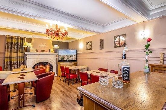 Hotel residence nissan lez enserune frankrig hotel for Salon 5 etoiles