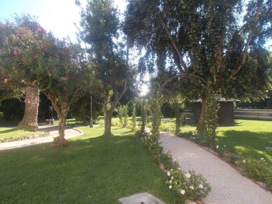 Parco di Villa Adele (2)
