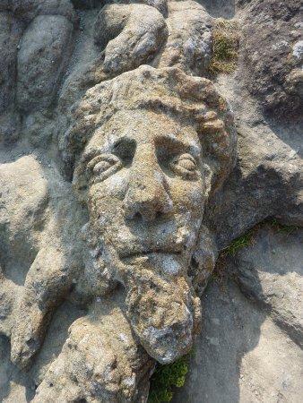 Les Rochers Sculptes: Tête de christ