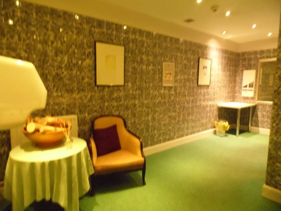 Cabarfeidh Hotel: downstairs ladies room