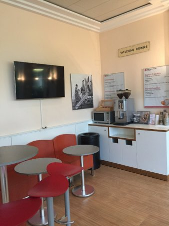 Hotel Welcome Inn : Caféecke