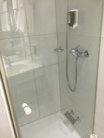 Hotel Welcome Inn : Dusche war gross genug