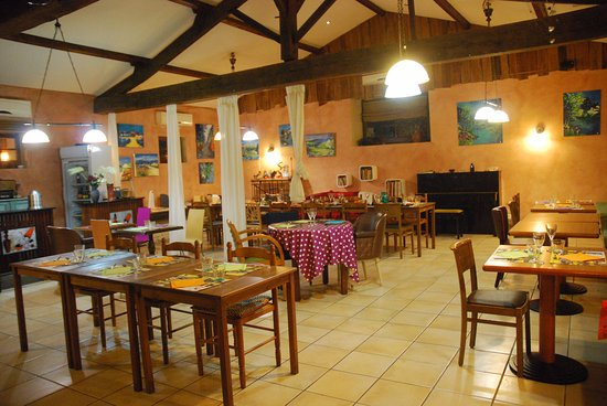 Saint-Maixent-l'Ecole, Prancis: la salle de restaurant