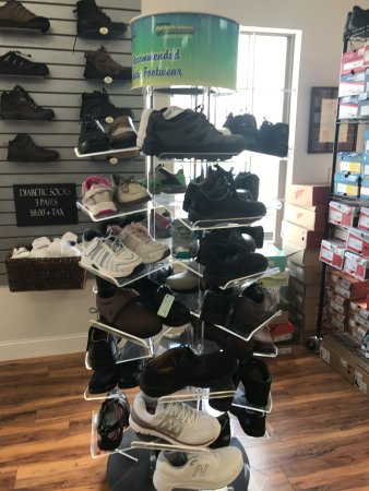 Somerset, KY: Large selection of diabetic shoes.