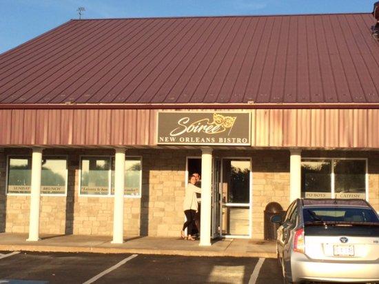 Smithville, Μιζούρι: Soiree, Exterior