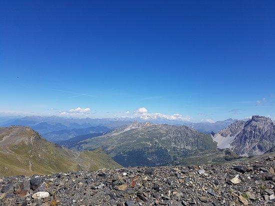 Residence Soleil Vacances Les Menuires : randonnée du col de la Chambre avec vue sur le Mont Blanc