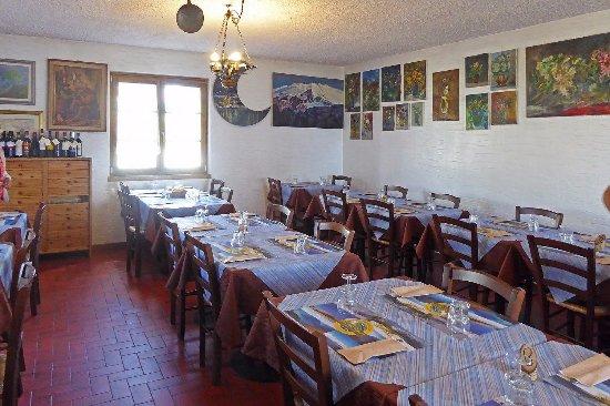 La sala da pranzo foto di ristoro genio giumello - Foto sala da pranzo ...