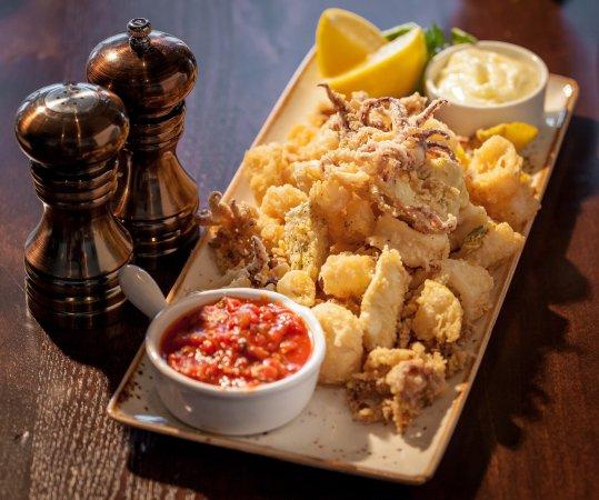 Romeoville, IL: Crispy Calamari with Chef-made Marinara Sauce