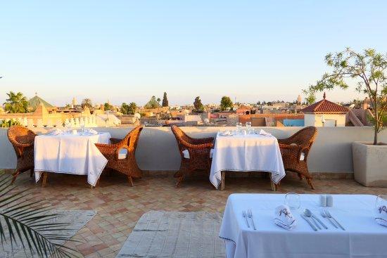 Riad Kheirredine: Terraza para desayunar o cenar
