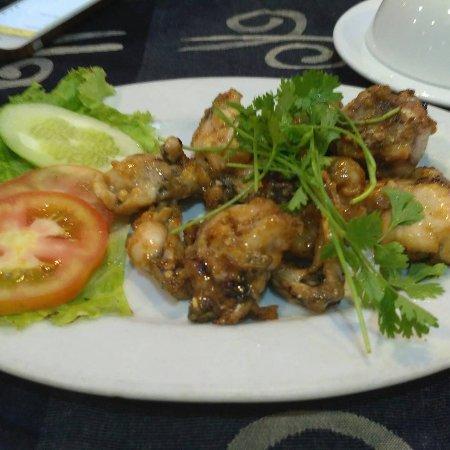 Nhat Phong 3 Seafood Restaurant : IMG_20170908_233848_197_large.jpg