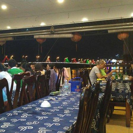 Nhat Phong 3 Seafood Restaurant : IMG_20170908_233848_205_large.jpg