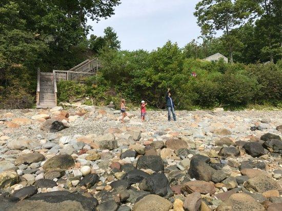 Lincolnville, Μέιν: Beach glass hunt