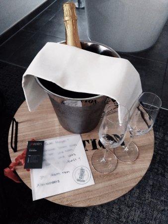 alexxanders Hotel & Boardinghouse: Kleine Aufmerksamkeit zur Hochzeit.