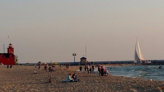 Saugatuck, MI: enjoying the beach