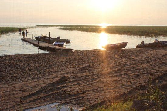 Каргополь, Россия: Причал для лодок и рыбаков