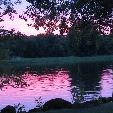 Pettibone Resort: Amazing sunset.