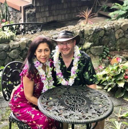Hale Maluhia Country Inn: Dave & Miriam Cariveau, Owners