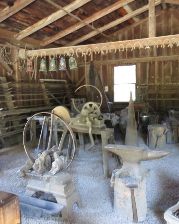 West Branch, IA: Jesse Hoover's blacksmith shop