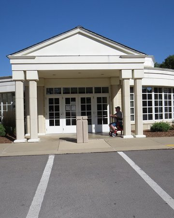 West Branch, IA: Entrance