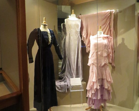 West Branch, IA: Lu Hoover's dresses