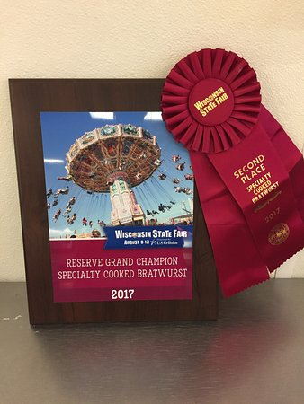 Horicon, Висконсин: 2017 Wisconsin State Fair, Reserve Grand Champion Specialty Cooked Bratwurst