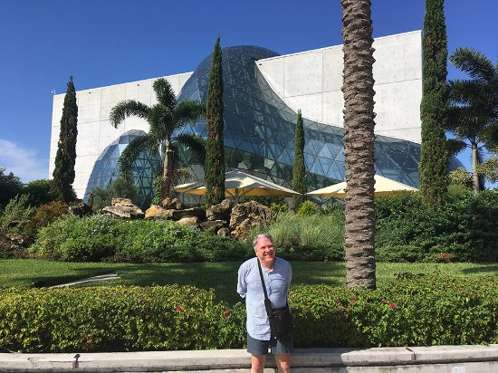 Salvador Dali Museum : East side of The Dalí, facing Tampa Bay