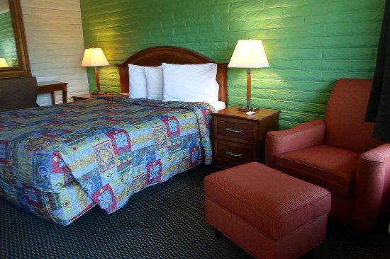 Hitching Post Studios Inn UPDATED 2017 Prices Motel Reviews