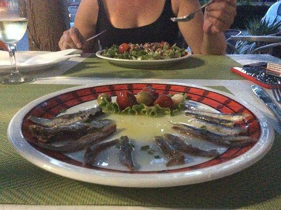 Brodarica, Croatia: Mix de la mer (ça beigne un peu)
