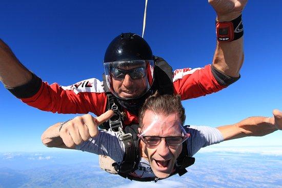Ecole de Parachutisme Flying-Devil: photo1.jpg