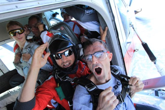 Ecole de Parachutisme Flying-Devil: photo2.jpg
