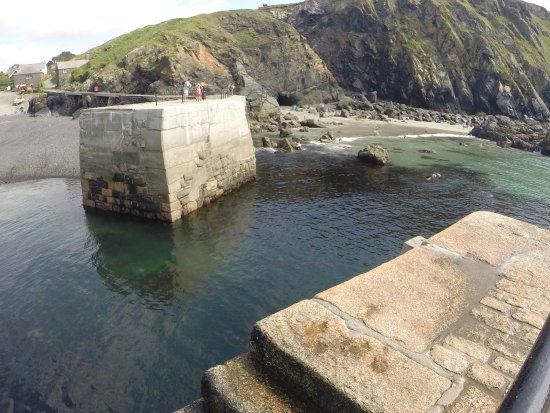 Mullion, UK: View to the area accessible through the tunnel