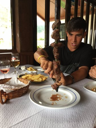 Seixal, Portugal: Disfrutando de la espetada