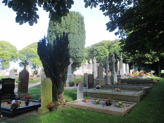 County Louth, Ireland: Gräber