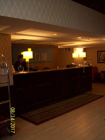 Holiday Inn Express Houghton - Keweenaw : Check In