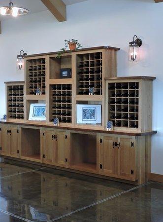 Interlaken, NY: Tasting room