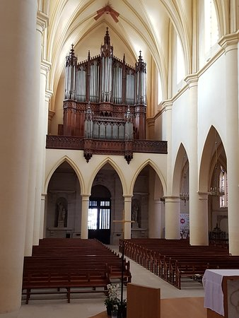 Remiremont, France: Organ