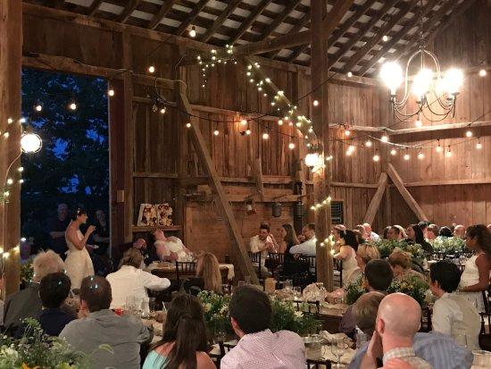 Leesburg, VA: reception inside the barn