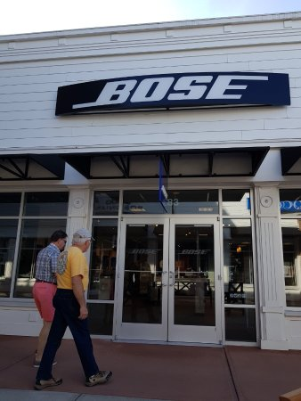 Wrentham, MA: Bose anyone?