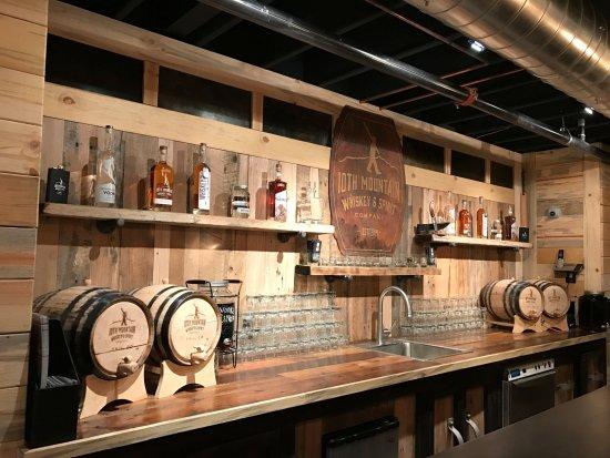 Gypsum, Colorado: Distillery Tasting Room, Gypsum CO.