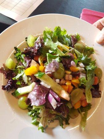 Malahat, Canada: Crisp salads