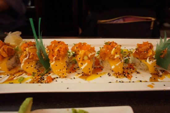 Wasabi House: Hawaii Roll (Shrimp, Mango, Salmon, Crab) for the Spice Lovers (but just a little bit of sweet)