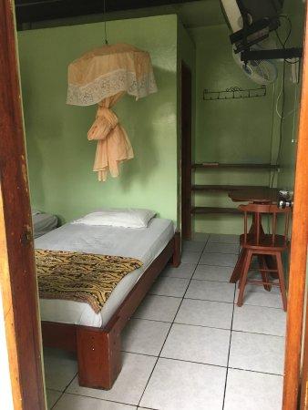 Hostal Machalilla: Habitaciones