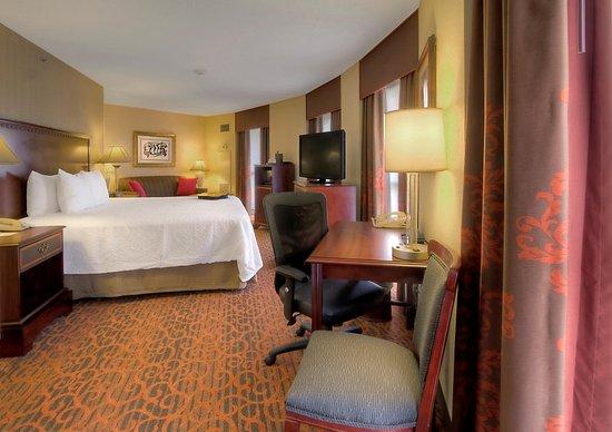 hampton inn suites memphis beale street 189 2 5 7. Black Bedroom Furniture Sets. Home Design Ideas