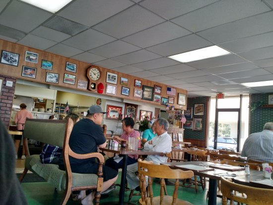 Laguna Hills, CA: Dining area