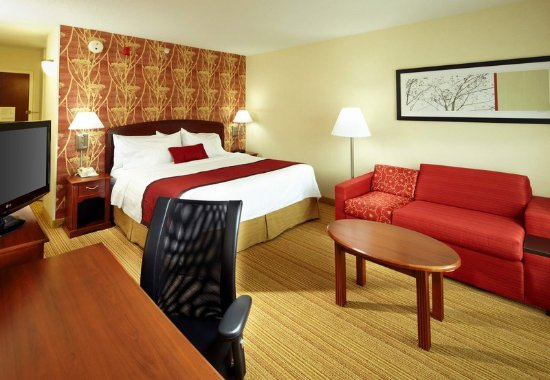 Newark, OH: King Guest Room