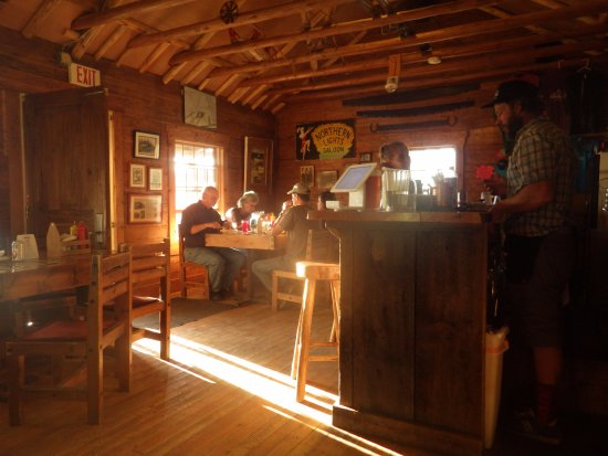 Polebridge, Μοντάνα: The Northern Lights Saloon