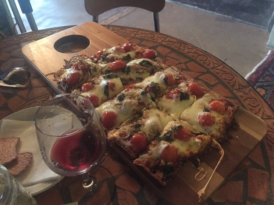 Athens, TX: Flatbread pizza